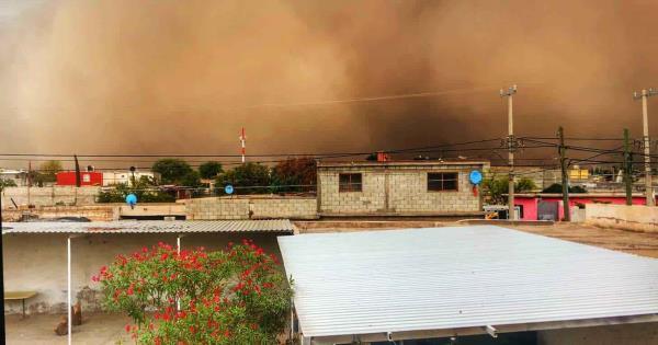 Impresionante lluvia de arena que invadió las calles de Torreón (+Video)