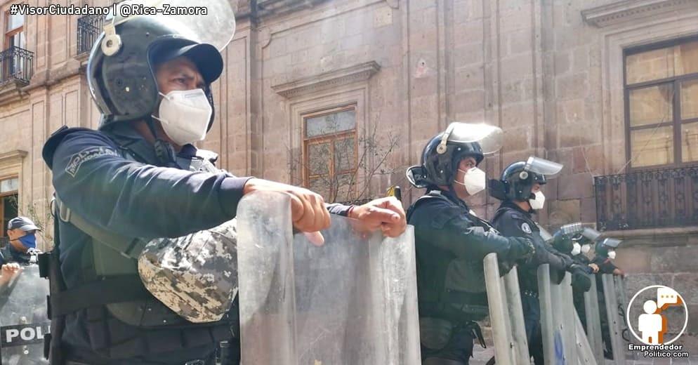 Distribuyen 12 mil cubrebocas para personal policial de Michoacán
