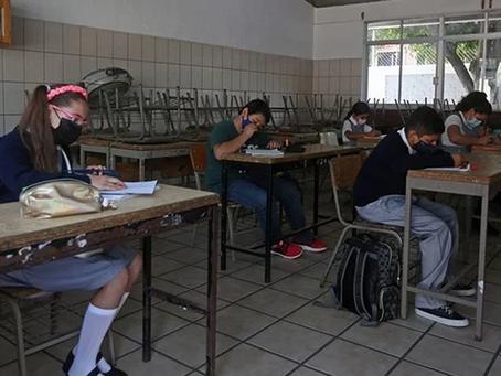 Revés: Suspenden actividades presenciales en escuelas de CDMX por semáforo amarillo