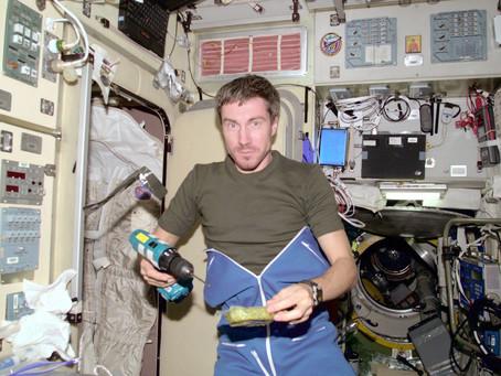 El hombre que viajó en el tiempo 0.02 segundos y cuando regreso a la Tierra su país ya no existía