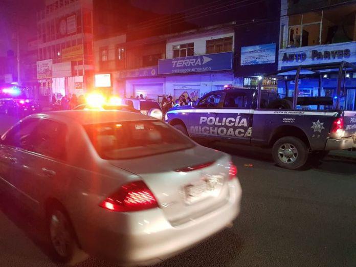 """#Aviso: simio suelto en #Morelia, le dispara a hombre por reclamarle el """"Uno a Uno"""""""