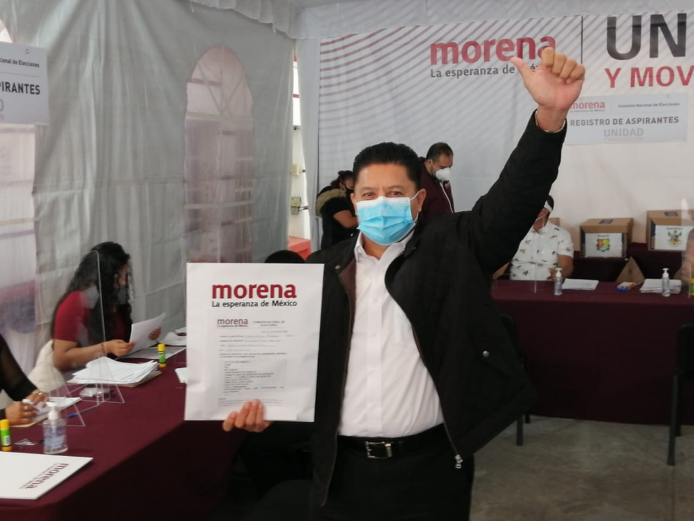 Feliciano Flores realiza su registro formal para la gubernatura de Michoacán
