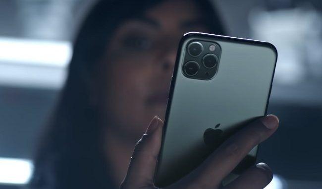 """vVideo: """"Todo sea por el iPhone 11"""": joven se graba con su """"sugar daddy"""""""