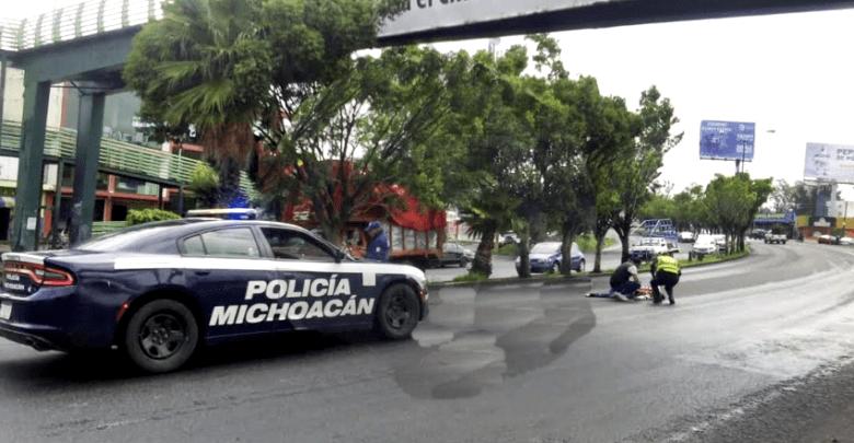 Hombre intenta suicidarse lanzándose de puente peatonal en Periférico Paseo de la República