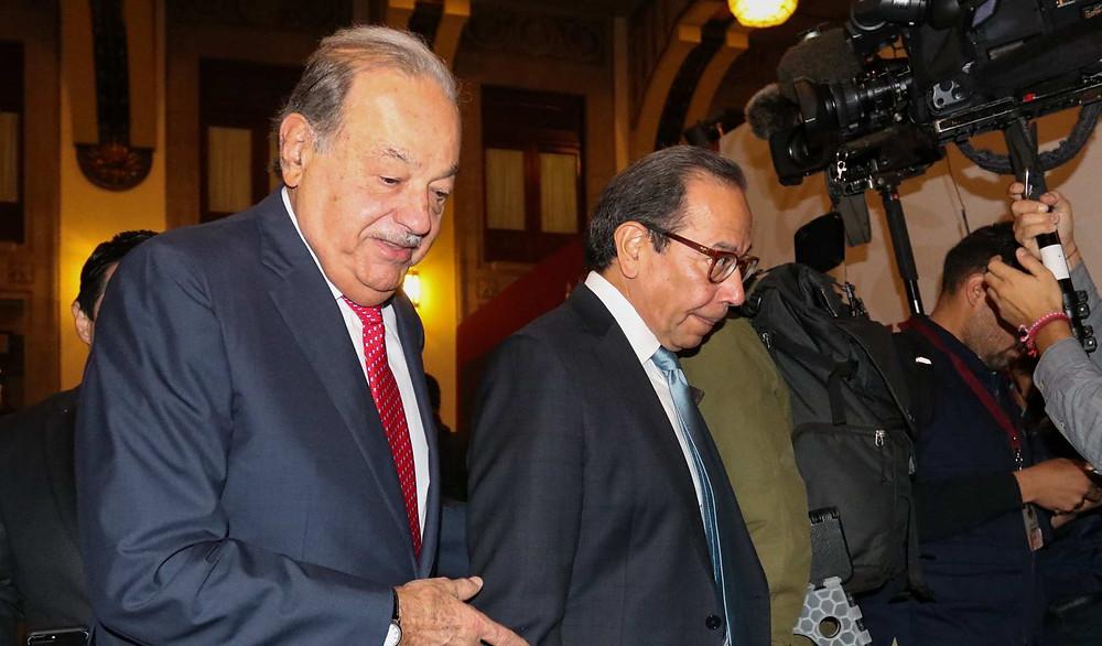 Carlos Slim afirma que no era importante crecer este año; Pásale la nota a la oposición