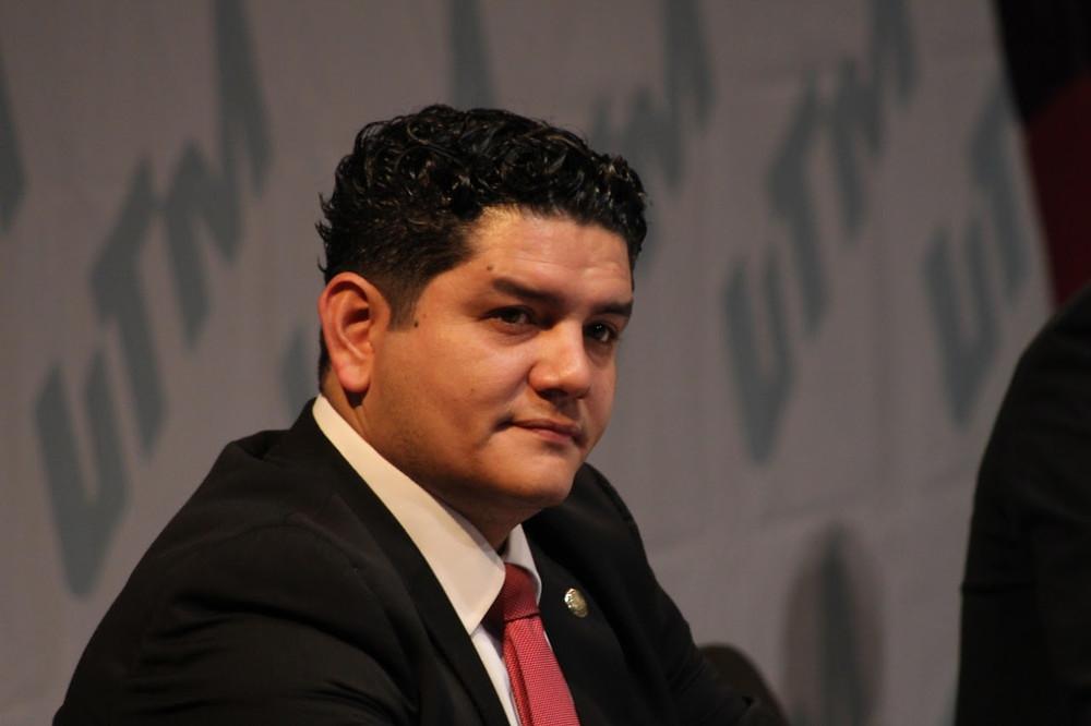 Se cumple a Michoacán al federalizar la nómina educativa: Toño Madriz
