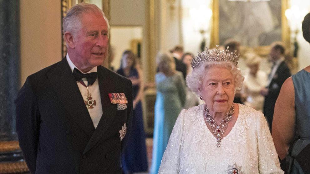 El príncipe Carlos de Inglaterra da positivo por coronavirus; estable pero aislado en su casa