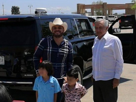 Komander aprovecha visita de AMLO a Sinaloa y se toman la foto (+Video)