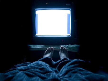 Увімкнений телевізор під час сну може призвести до збільшення ваги