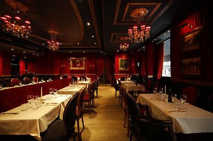 Le piaf-restaurant-salle-rouge-noir-clas
