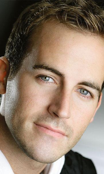 Chris Davis headshot