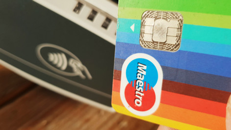 Alle pinautomaten moeten per 1 januari 2020 geschikt zijn voor contactloze betalingen