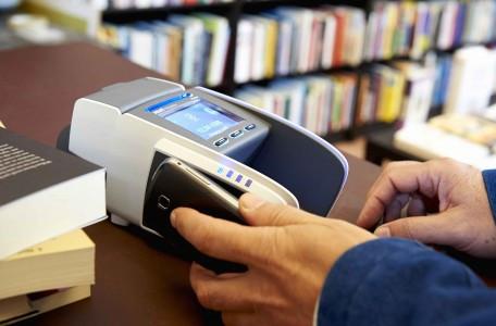 Geschatte 150 miljard euro omzet met elektronische betaalmiddelen in 2017 | Gebruik van creditcards