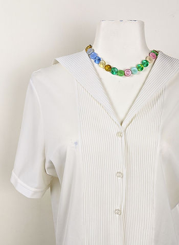 white%20sailor%20collar%20blouse%20on%20
