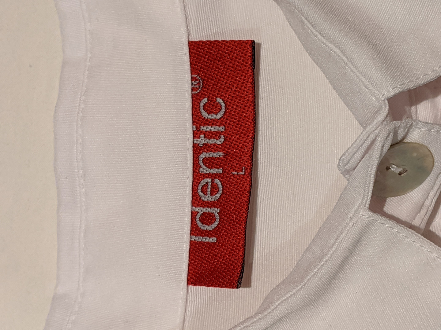 2000s White Ruffle Button-Up Tag