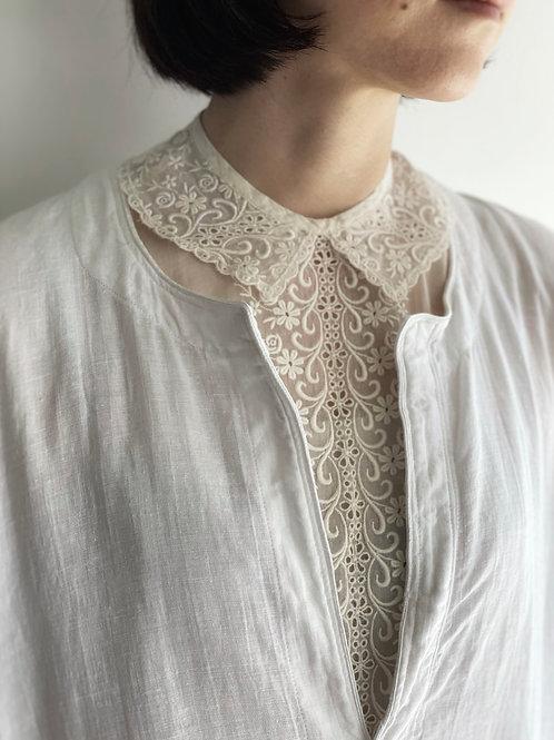 lace bib collar
