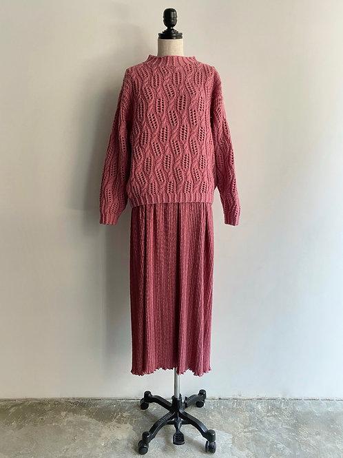 pleated floor length skirt