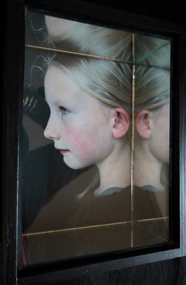 portret in spiegelkistje 14x19cm.