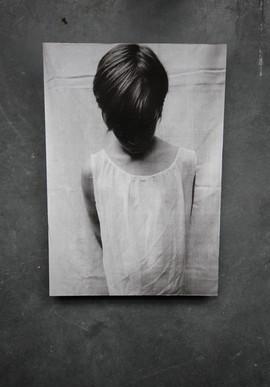 portret op houten paneel 28x40,5cm.