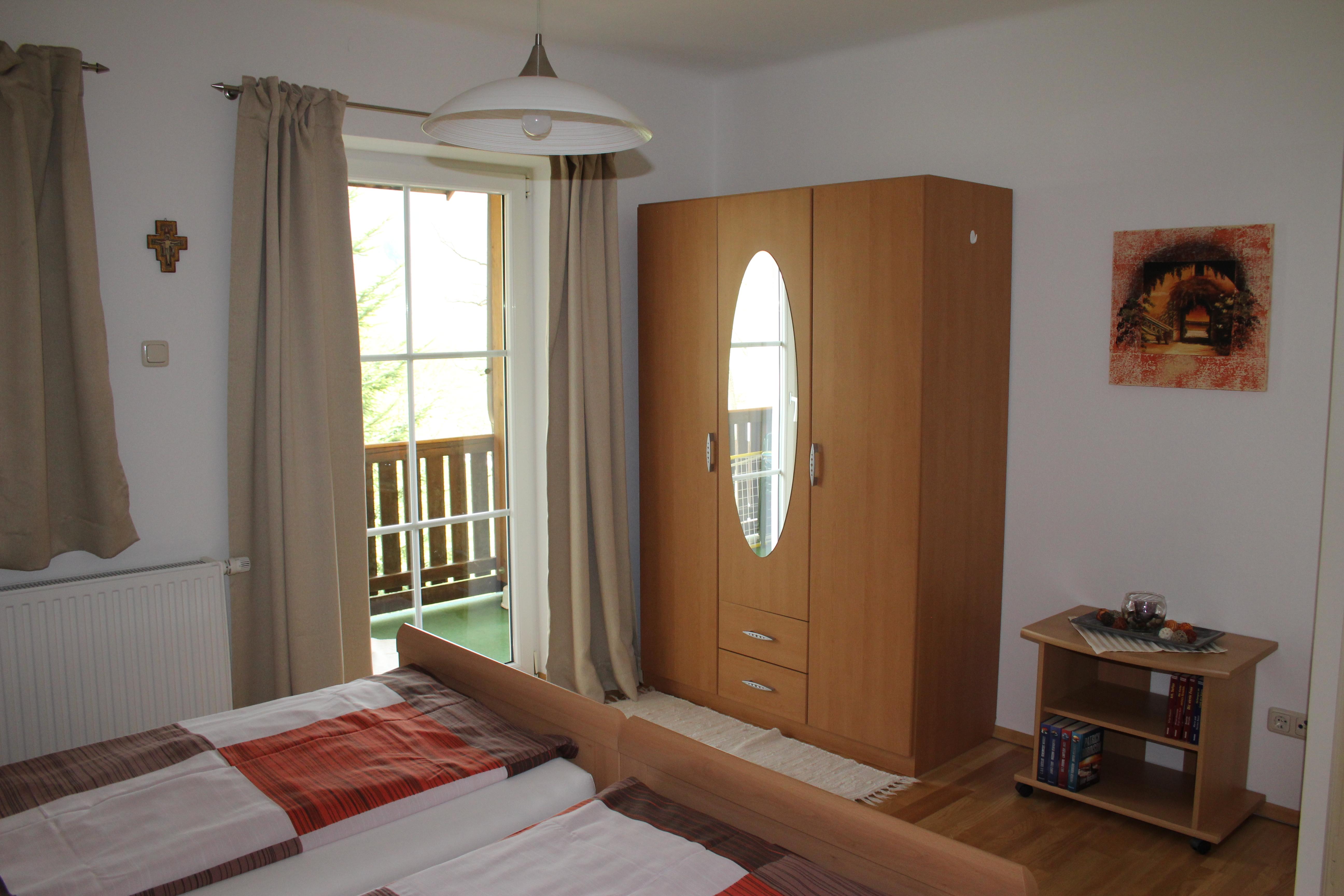 Schlafzimmer Ost 2