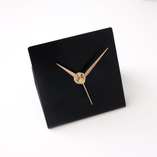שעון OMED