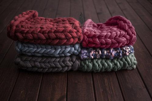 Chunky Knit Bump Blankets
