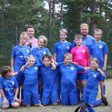 Hårda matcher mot storföreningar och fin stämning i Hangö för 08