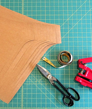 freelance, patternmaker, pattern maker, brisbane, gold coast, clothing, makers up, manufacturer, services, grading, specification, sheets, tech pack, technical, drawings, style CAD, grade to card, ai, .pdf, patterns