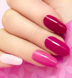 Multicolored manicure with different sha