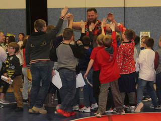 SW students celebrate fundraiser success with wrestling match
