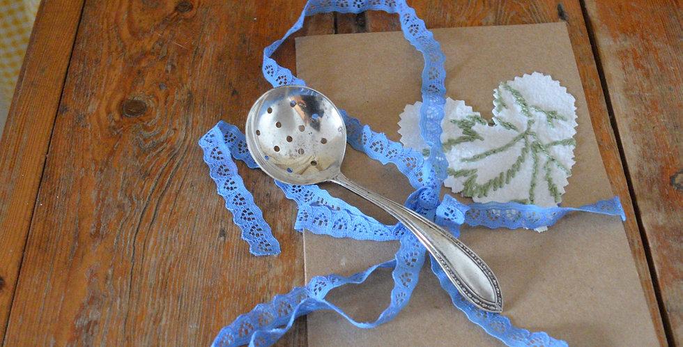 Silver Sugar Sifter/Tea Strainer Teaspoon Gift