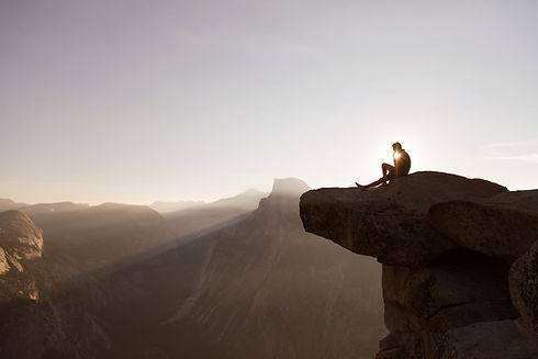 naplemente-a-hegycsucson.jpg
