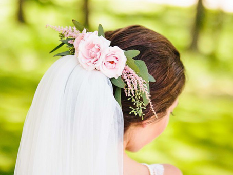 Floral Friday: Bridal Hairstyles with Flowers
