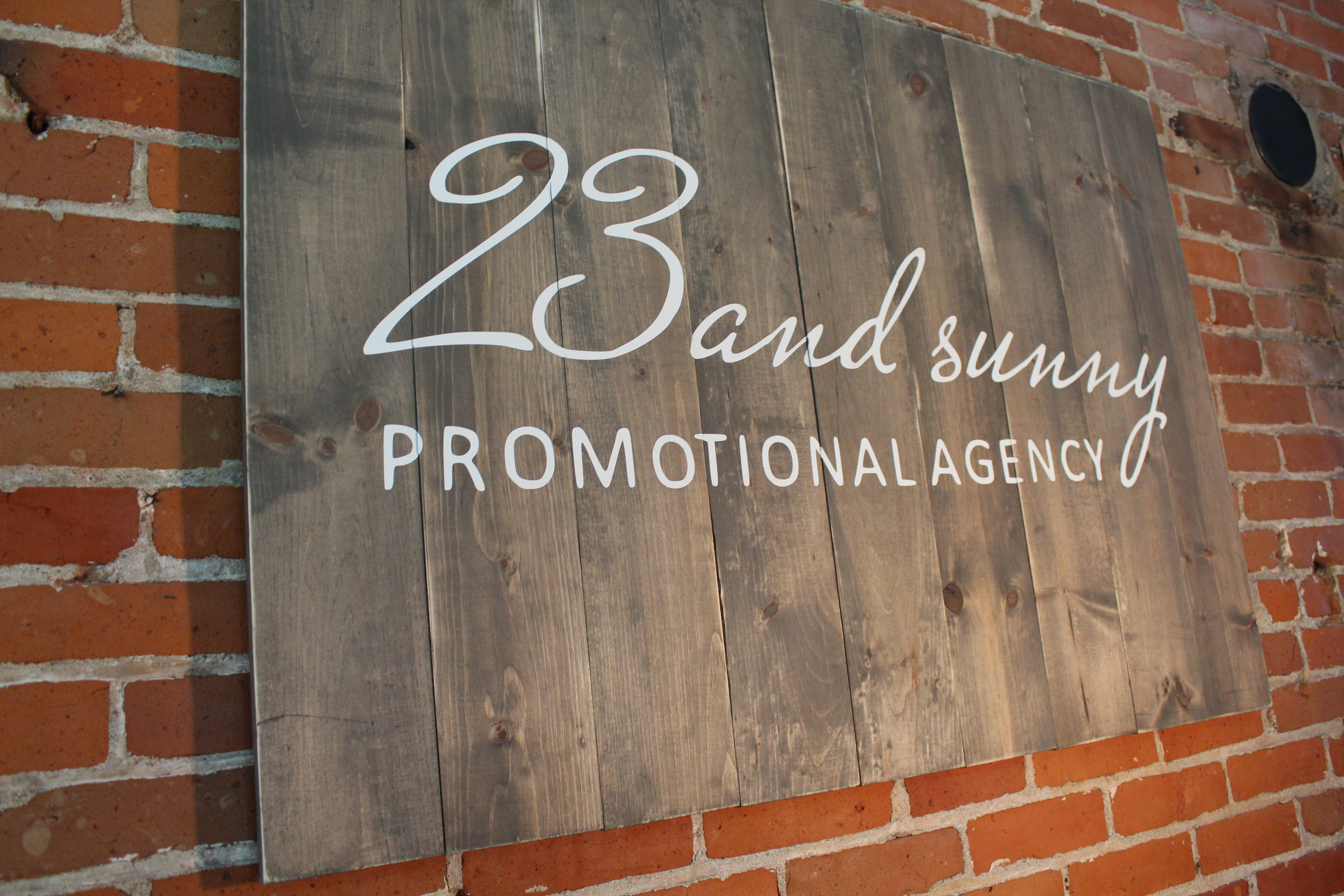 CUSTOM 23 & SUNNY SIGN
