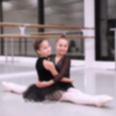 cours de danse et de yoga pour enfants