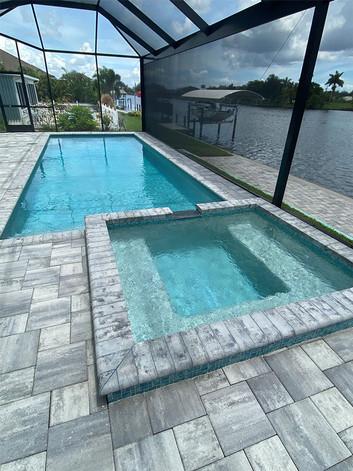 DM-Dean-screened-pool-home.jpg