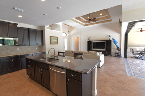 DM Dean Custom Homes  - model 2098 - 13.jpg