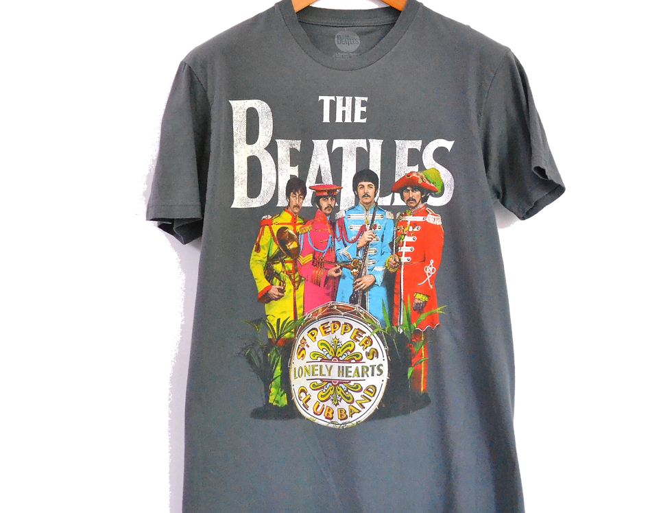 Official The Beatles Sgt. Pepper's Lonley Hearts Club Band Tee L