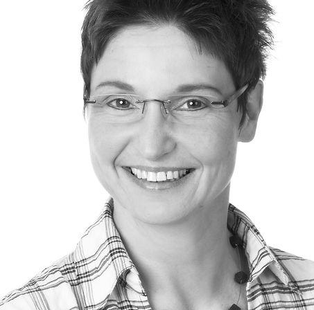 Annette Sommer | THERAPIE KONZEPT Mögeldorf | Ganzheitliche Physiotherapie + Osteopathie | Team