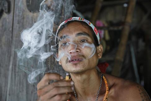 Portrait des hommes fleur  aux Iles Mentawai