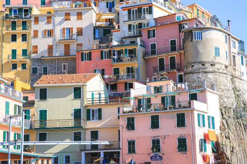 Les cinq villages de cinq Terres en Italie