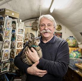 Bernard Vercruyce dans son atelier.jpg