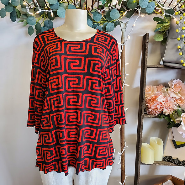 Red and Black Patterned 3/4 Sleeve Top