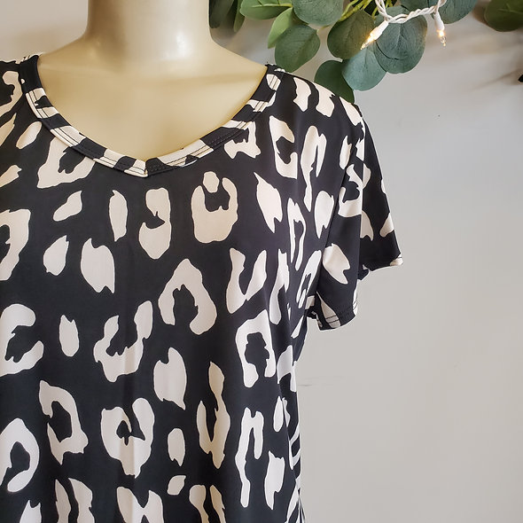 Black and Cream Leopard Tee