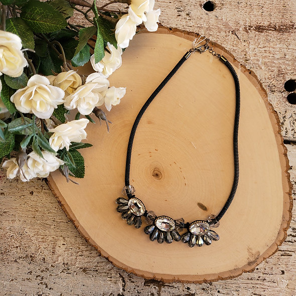 Sweet Lola Black and Glam Necklace