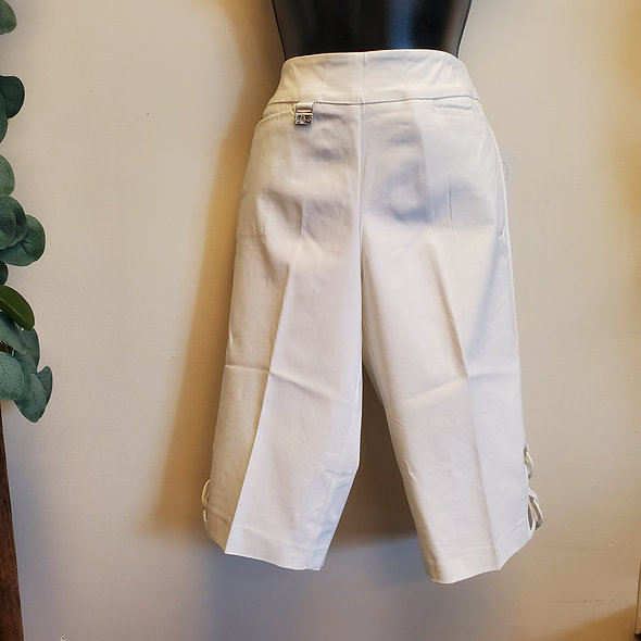 Lulu-B White Ladder-Side Bermudas