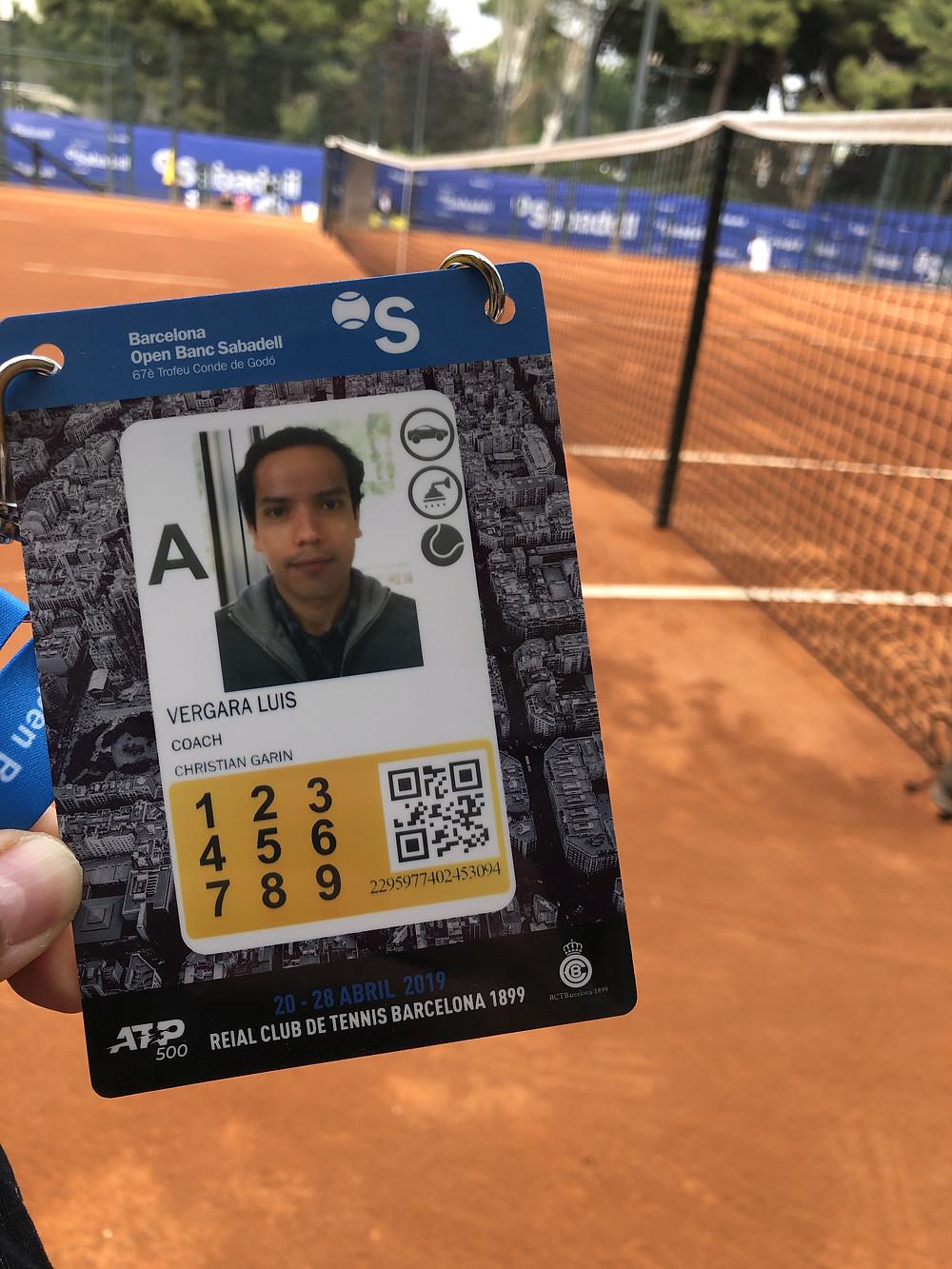 Dr. Luis Vergara participando como médico de Cristián Garin en ATP Barcelona 2019