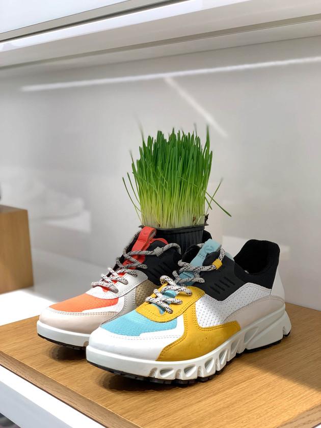 Украшение магазина обуви ECCO.jpg