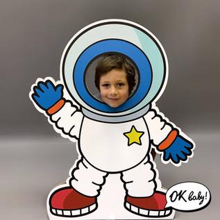 Фотокартон космонавт.jpg