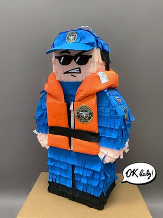 Пиньята Человек лего.jpg